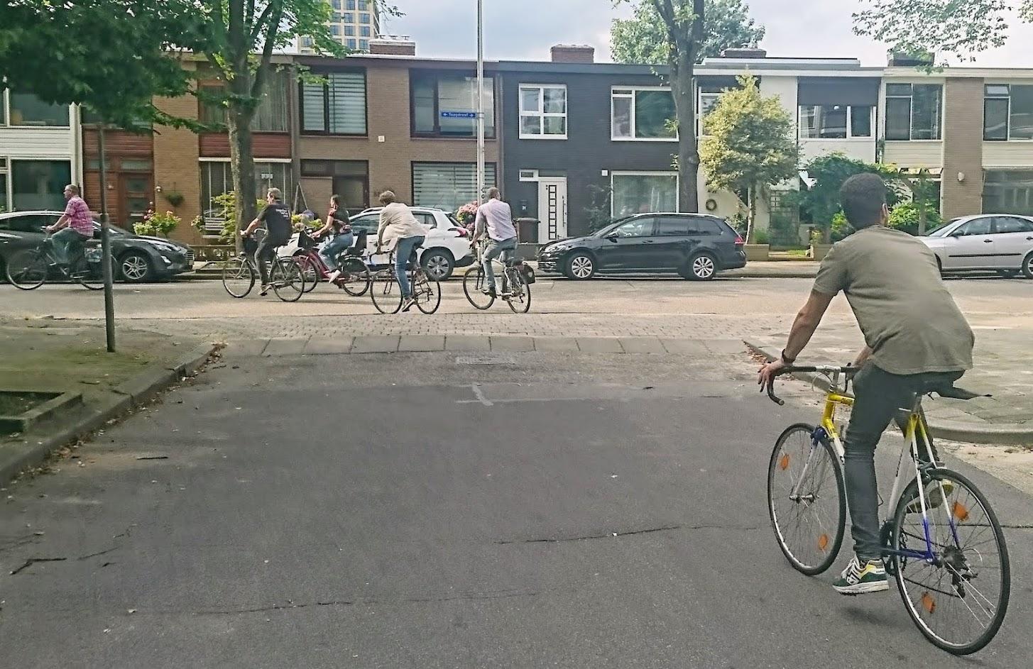 fietsende-mensen-taagdreef-voor-etapas-flyer